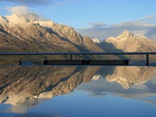 Alpen View Luxury Villa with stunning lake views, Queenstown