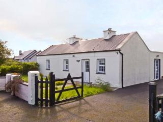 JOHNNY MAC'S, all ground floor, lawned garden, peaceful location in townland of Midfield, Ref 12874, Swinford