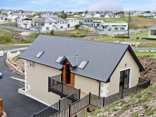 DERRYBEG APARTMENT near to coast, family friendly in Derrybeg, County Galway, Re