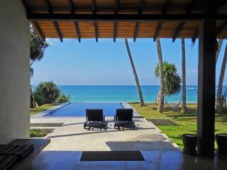 Villananda-2 Bedroom BeachVilla with swimming pool