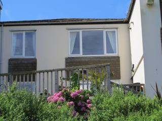 Surf Break 2 bedroomed apartment St Ives Cornwall, St. Ives