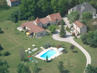 2 bedroom condo with pool in the  Dordogne/Lot