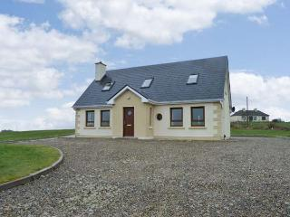 BALLYCROY COTTAGE, woodburner, rural setting, four bedrooms, near coast, near