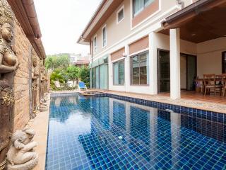 Patong Beautiful private pool villa center Patong