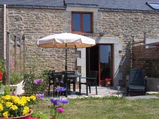 LE MYRTIL - Petits Papillons Rural Cottages, Josselin