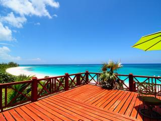 The Palisades Bahamas Luxurious Beach Front Villa, Eleuthera