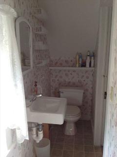 Full bathroom serves both bedrooms