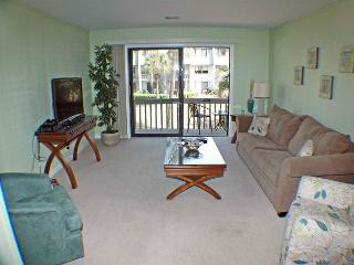 Surf Court 26 - Updated Townhouse - Great Location, Hilton Head