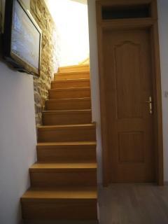 Way to the terrace, door to the bathroom