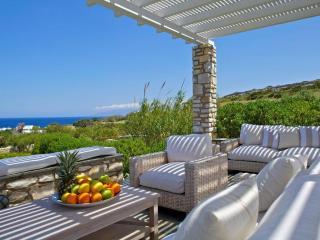 Luxury Beach Villa with fantastic sea views, Parikia