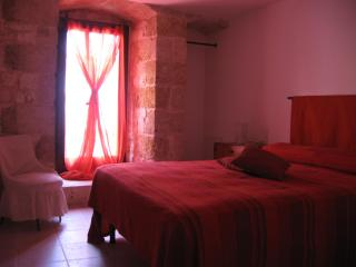 Lovely stone house in medieval village Conversano-JATTA