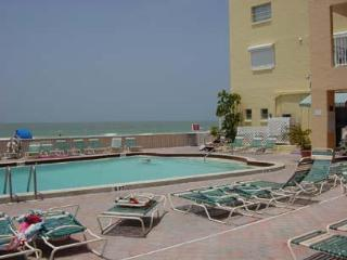 Luxury Beachfront 1-bed, Bath Condo, Indian Shores