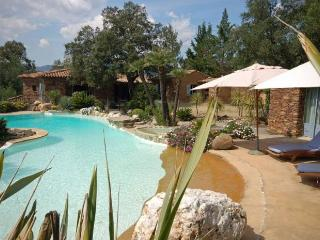 Beautiful stone-built villa, golf of Saint-tropez, Cogolin