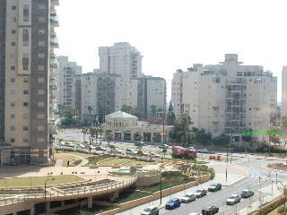 Elegant 3 Bedroom Apartment, Ramat Poleg, Netanya - MB01K