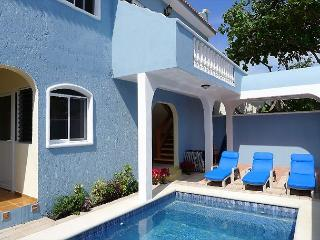 Spacious ground floor apartment 1 blk to beach, 4 blks to the square, Puerto Morelos