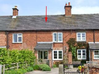 3 CALLOW END COTTAGES, cosy cottage, woodburning stove, conservatory, enclosed