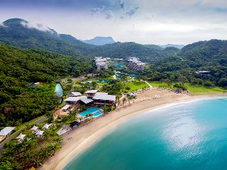Pico De Loro Beach Resort & Club (Philippines)