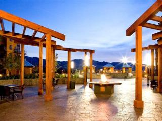 Stay at Kelowna's Fun Resort - Playa del Sol!