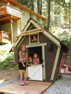 'Cub's Playhouse' (for the little ones)