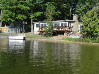 3 bedroom cabin on Spider Lake in Traverse City MI