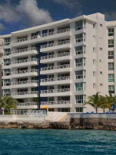 Luxurious 3 bedroom 31/2 bth condo Cozumel Mexico