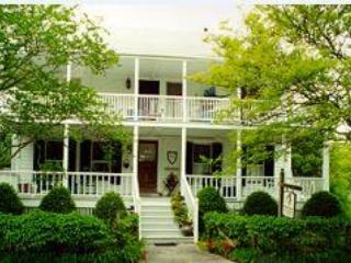 Langdon House Bed and Breakfast, location de vacances à Harkers Island