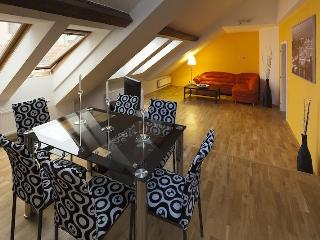 Fashion 3 Bedroom Apartment in Prague Old Town