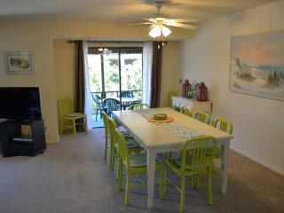 Dining Room - with adjacent Lanai