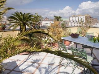 Spacious apt with terrace on the bay of Naples, Nápoles