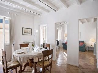 A bright and charming apartment in the heart of Trastevere, Rome