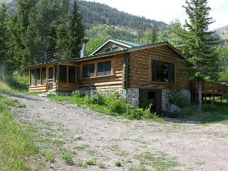 Mountainside Cabins - Honey's, McLeod