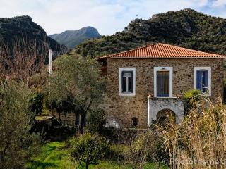 3 bedroom stone house in Xirokambi, Sparta