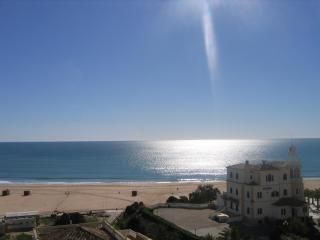Miramar 33 - 2 Bedroom Seaview 50m from Beach, Praia da Rocha