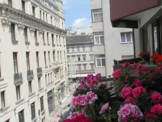 Balcony, overlooking the Váci street