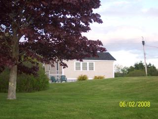 Maine Ocean Front 2 Bedroom Cottage, Tenants Harbor
