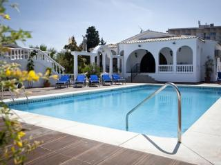 "Villa ""La Rotonda"" Secluded 7 Bedroom House, Wi-Fi, Private Pool + +"