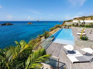 Luxury 6 bedroom St. Barts villa. Full ocean view!, Gustavia