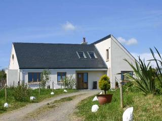 BEACHSIDE HIDEAWAY, single storey cottage, open plan living area, walking distance to beach, in Donaghmore, Ref 16335