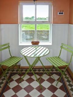 CAPACURRY LODGE, ground floor cottage with superb views, near golf and fishing in Ballinrobe, County Mayo Ref 17249