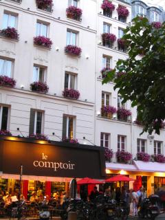 The popular restaurant Le Comptoir, two doors down