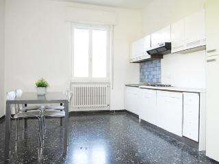 Apartment near 5 Terra & La Spezia sleeps 4 to 8