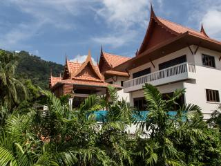 Kata View Villa - Luxury 4 Bed Private Pool Villa - Breakfast available, Kata Beach