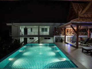 Kata View Villa - Luxury 4 Bed Private Pool Villa