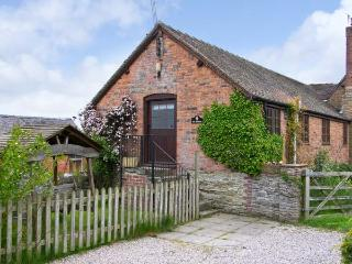 THE GRANARY on a working farm, all ground floor cottage in Craven Arms, Ref 1555
