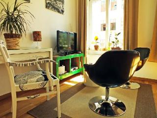 Vacation Apartment in Leipzig - 377 sqft, stylish, central, traditional (# 2878)