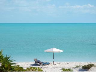 Villa Wyakha on the Beach-Serene, Kite Boarding, Providenciales