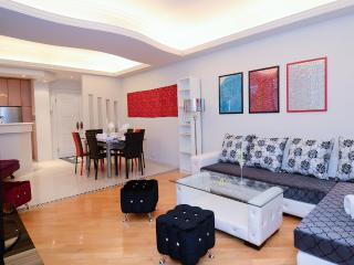 DeLUXE*MODERN*BIG*3bed2bath*MTR*CHEAP*SOGO*HARBOUR, Hong Kong