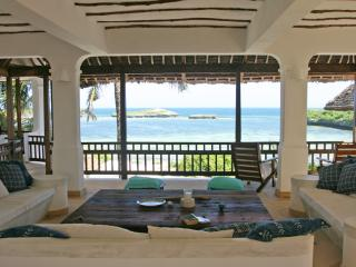 Bahari House - Stunning House overlooking Blue Bay, Watamu