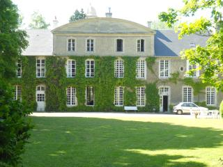 manor view from park
