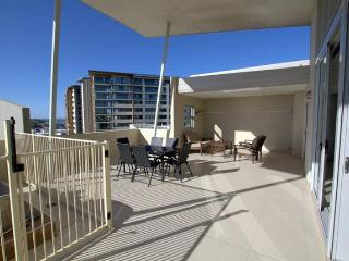 Redcliffe Beachfront Penthouse Near Brisbane